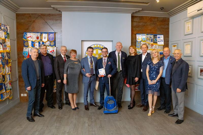 Губернатор Ротари посетил Тольятти. Церемония «За взаимопонимание и мир»